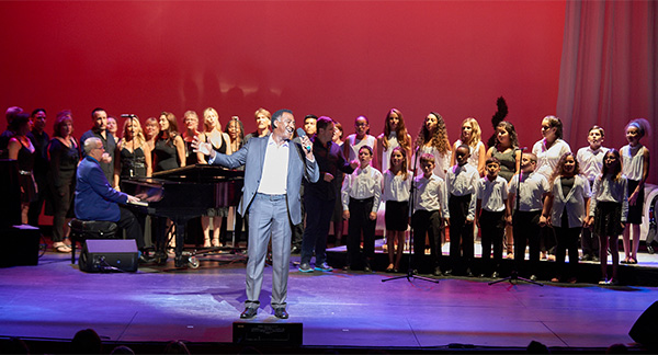 Dream Bigger: Opening song with Norm Lewis, Christina Connors' We Can Be Kind Children's Choir, Unity Center of Norwalk's Choir with David Friedman at the piano.